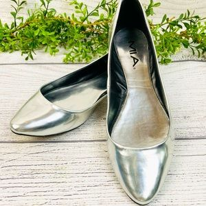 Mia Silver Pointed Toe Ladies Flats Size 6